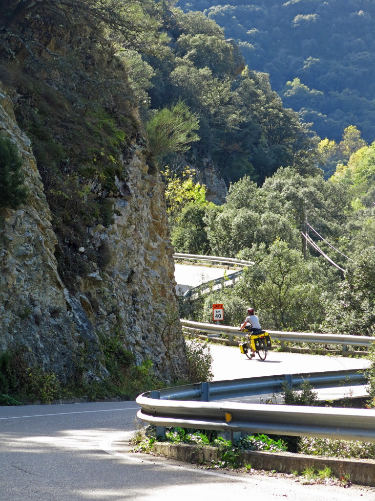 Winding along Rio Najerilla as we climb into the mountains.