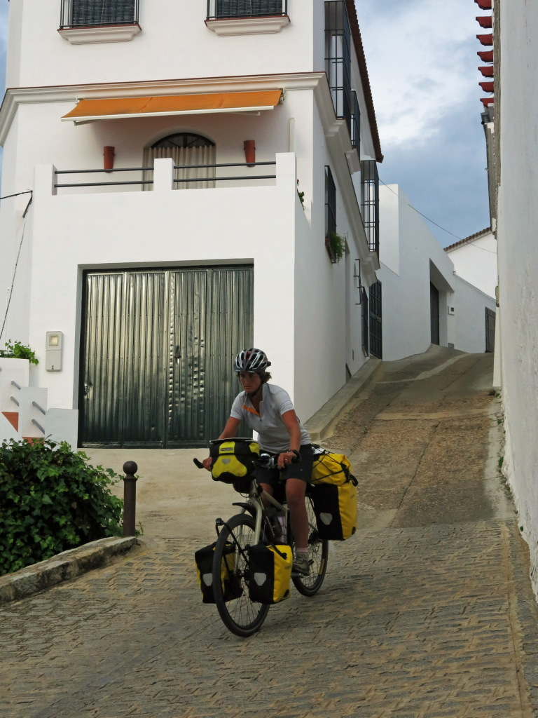 There were some steep side-streets in Cazalla de la Sierra, our first white village.