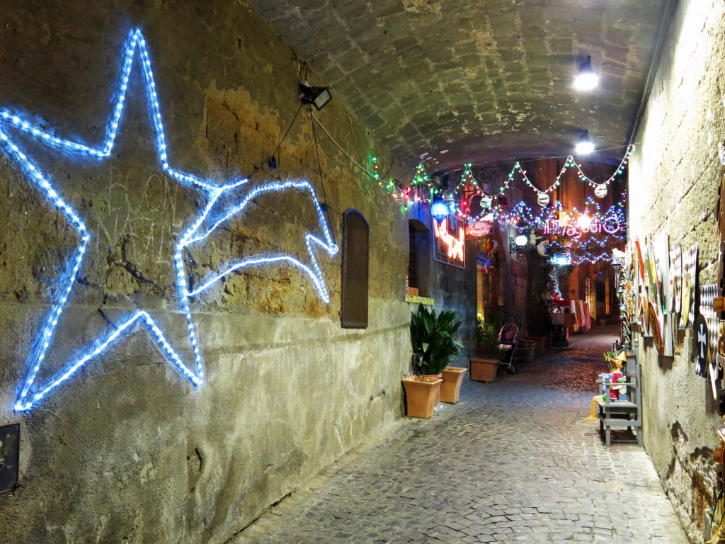 More holiday lights in Orvieto. Buon Natale!