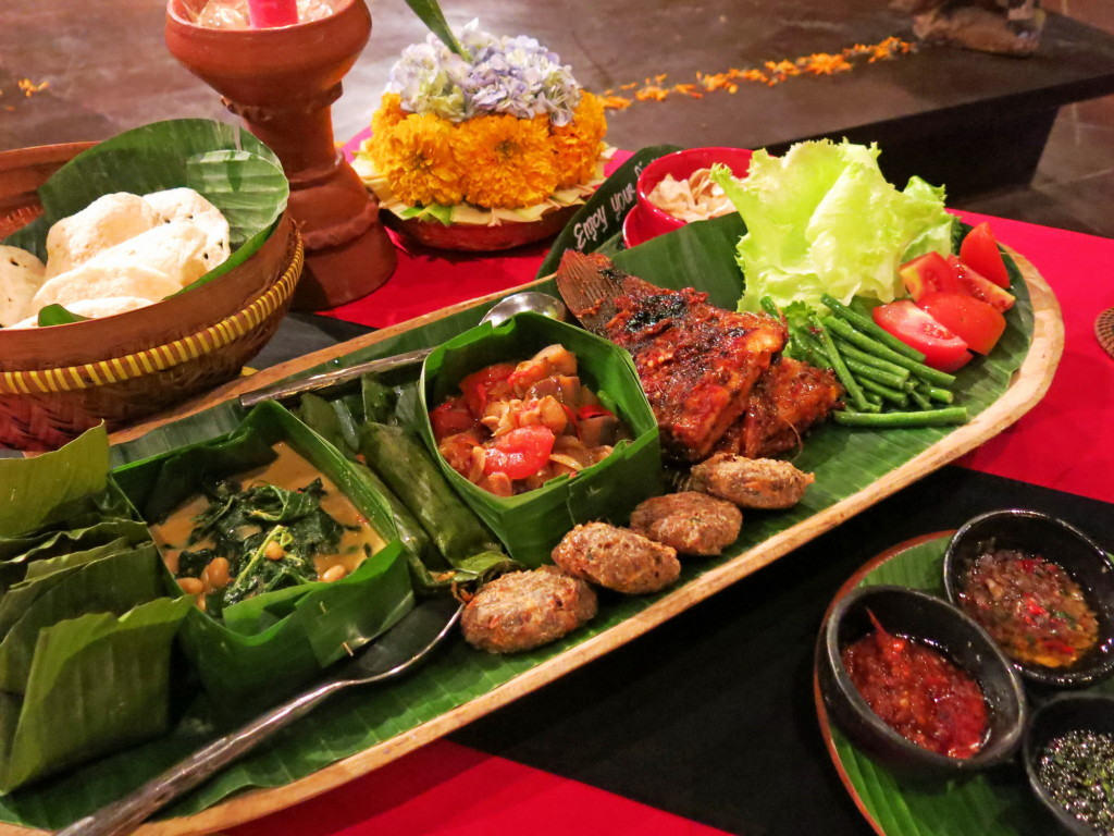Our feast for two with numerous banana leaf-wrapped goodies!